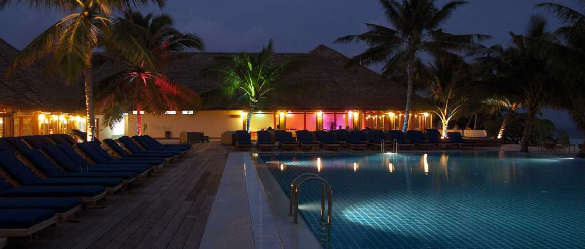 Vilamendhoo Island Resort & Spa - Sunset Bar