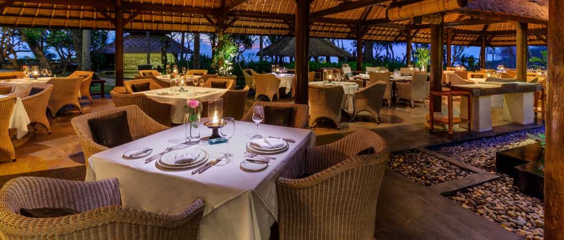 The Oberoi Beach Resort - Kura Kura Restaurant